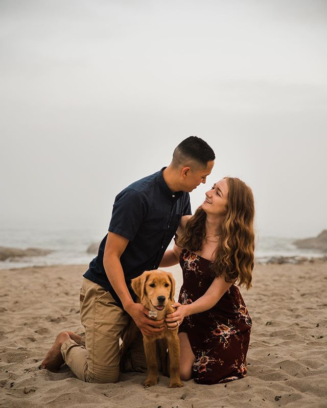 I'm a sucker for love and puppies 😍😍 • • • • Workshop @andieaveryphoto  Couple @zub_808 @lauren.r.burke  and of course Mimosa aka Mosa ❤️ #pnwweddingphotographer #eugeneoregonphotographer #portlandweddingphotographer #salemweddingphotographer #medfordweddingphotographer #oregonbride #oregoncouplesphotographer #eugeneweddingphotographer