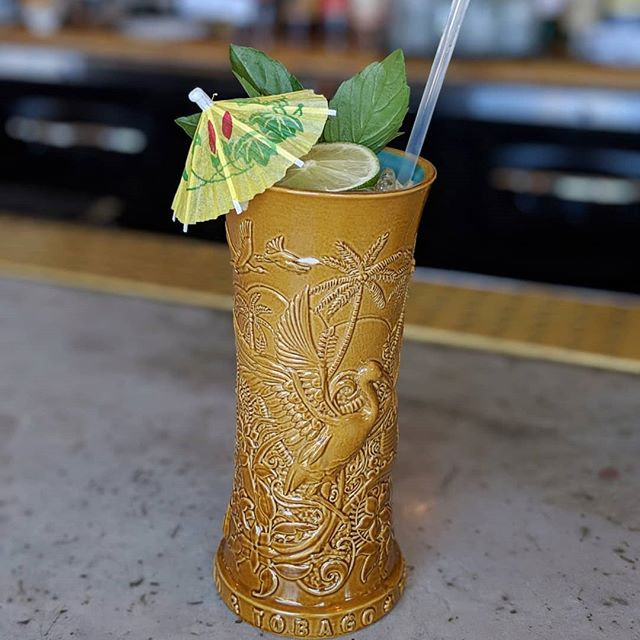 Check out the Island Standard Time at @haihai featuring Ganbei Baijiu.  It is fantastic and make sure to go hungry because their menu is amazing!  #ganbei #ganbeibaijiu #baijiu #spirits #drinkganbei #china #imbibe #liquor #alcohol #chinese #cheers #drinkganbei #bartender#mixology #drinks #bartender #drinkup #booze #drink #bitters #craftedmixology #baijiucocktails #craftcocktails #cocktails  #cocktailrecipe