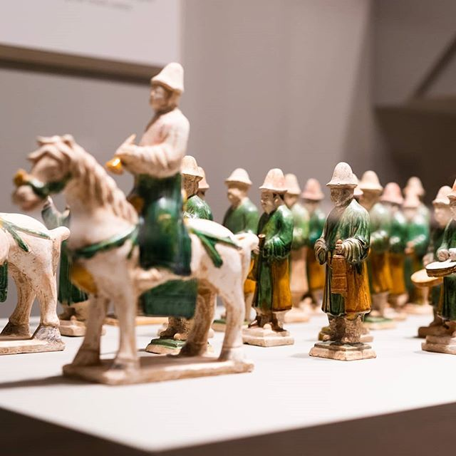 Among the beautiful artifacts in the Jade Gallery at @artsmia is this recreation of  an ancient Chinese wedding procession.  This was on display during our #chinesenewyear party this spring.  #ganbei #ganbeibaijiu #baijiu #spirits #drinkganbei #china #imbibe #liquor #alcohol #chinese #cheers #drinkganbei #bartender #白酒 #干杯 #干杯白酒 #中国 #酒 #鸡尾酒#minneapolis #mplsfoodie #mplscocktails #foodieapolis #mnfoodie #art #artifacts #chineseart #culture