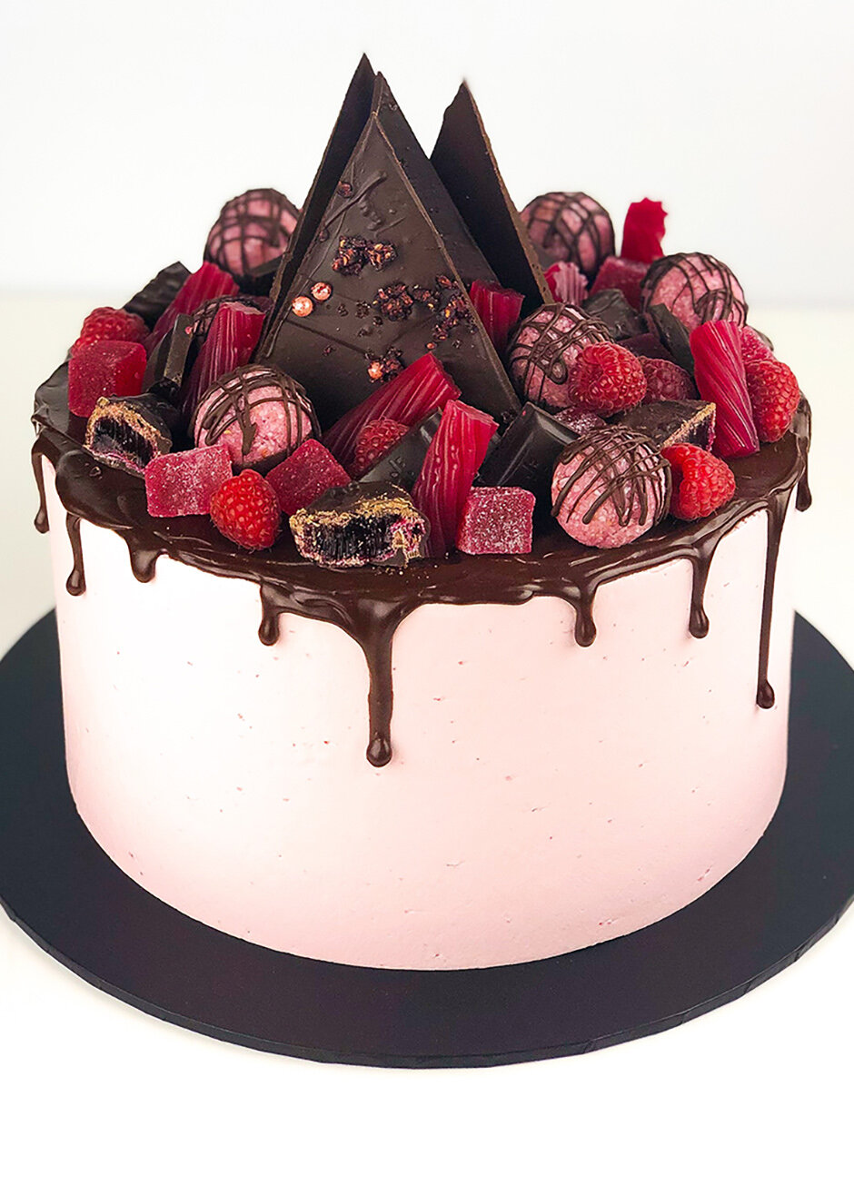 - Overload Cakes - Super indulgent chocolate drip cakes overloaded with lots of yummy things.