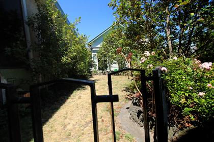 Remberance Garden with Cooper Centre, St Johns Bentleigh VIC