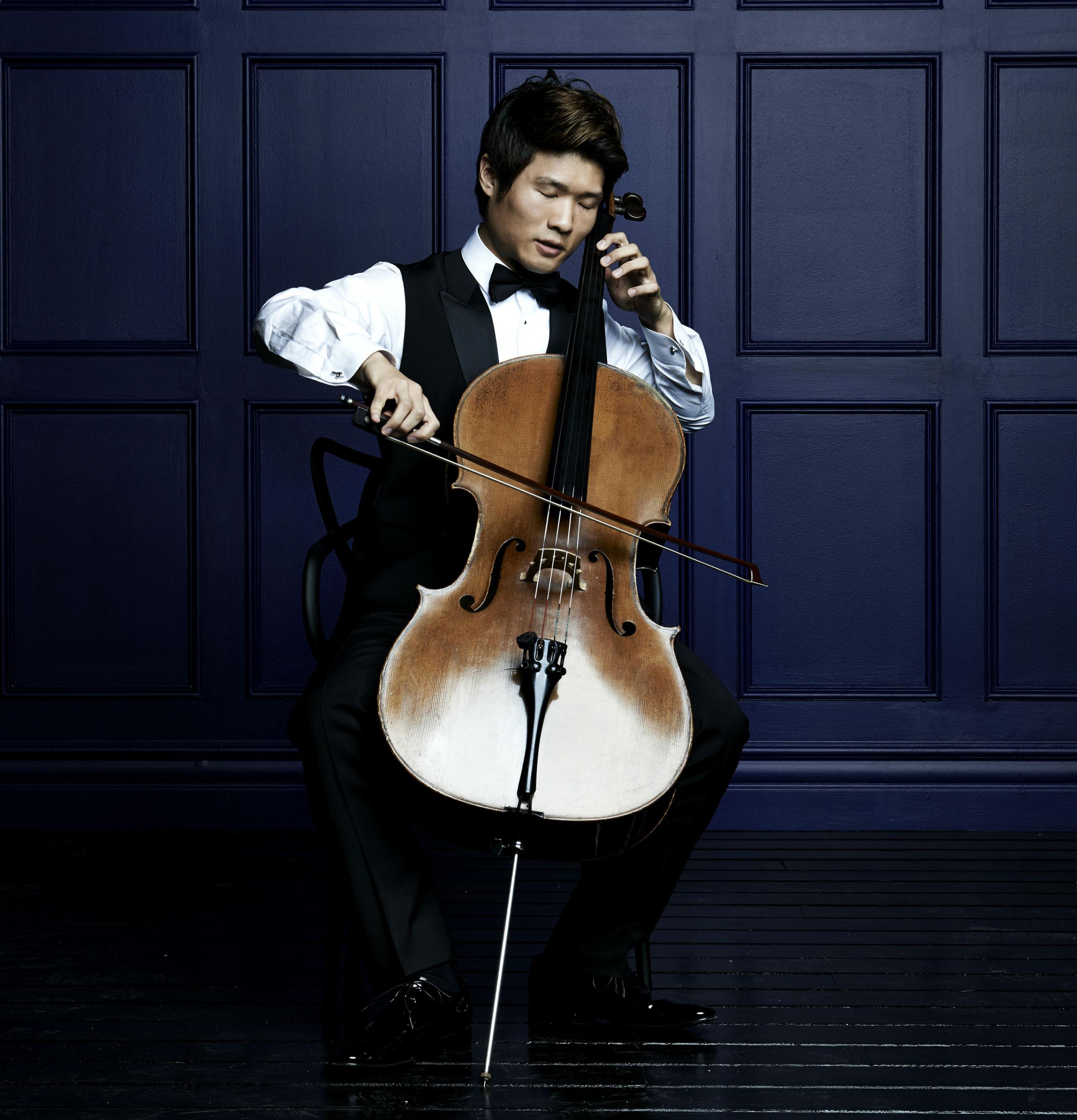 Han Bin Yoon, Artistic Director