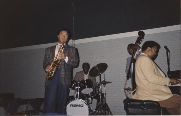 Nori with Ray Brown Trio.jpg