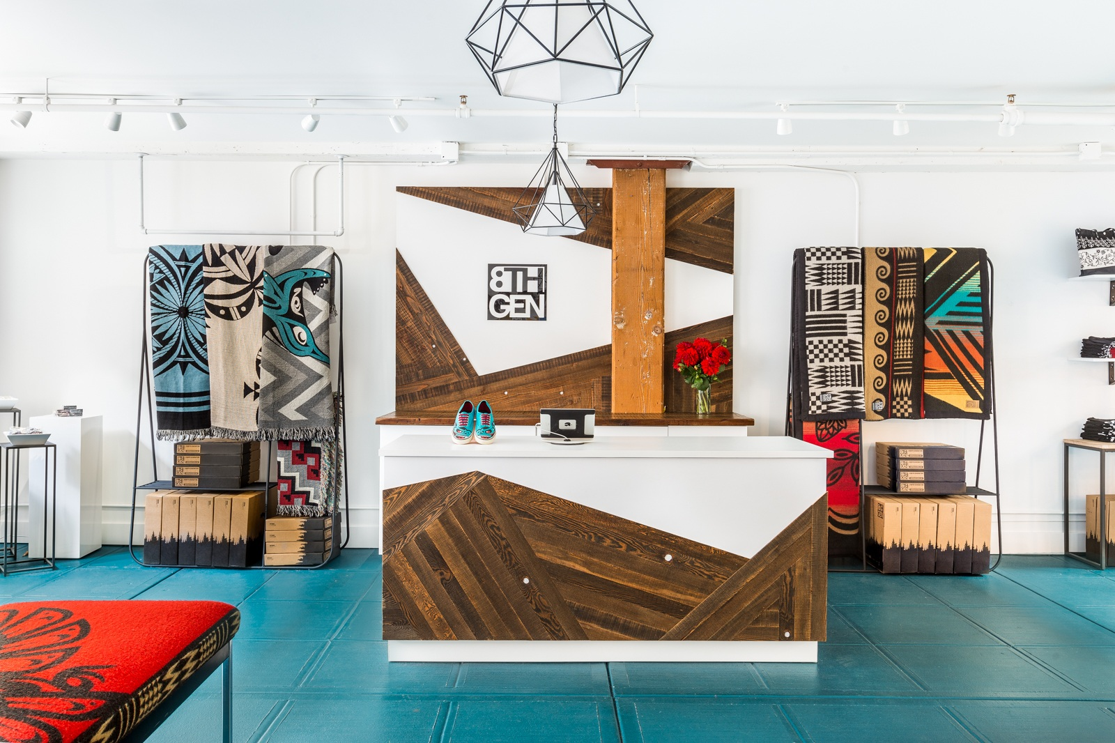 - Eighth Generation Pike Place Flagship