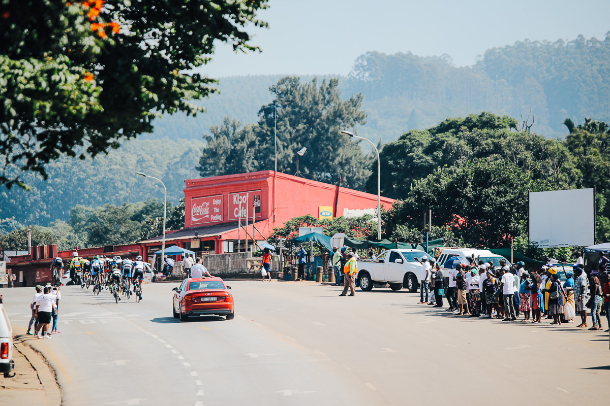 The town of Modjadjiskloof, the home of the Rain Queen, an appropriate town to pass through for this Queen Stage came out to support the cyclists as they passed through on Stage 2 of the Tour de Limpopo from Tzaneen to Tzaneen on Tuesday 24 April 2018 © HaydsBrown