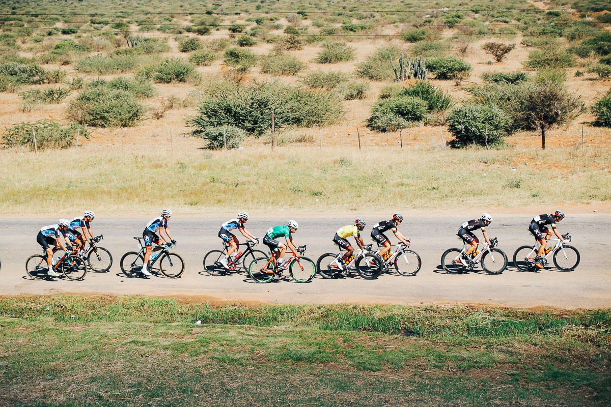 The chase group containing the yellow jersey of Clint Hendricks steadily reeled the leading two riders in on Stage 2 of the Tour de Limpopo from Tzaneen to Tzaneen on Tuesday 24 April 2018 © HaydsBrown