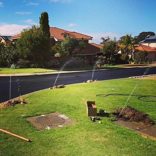 Suns out ☀️☀️☀️ time to starts thinking about the retic switch on. Full system service today getting things ready for the spring and summer months.  #retic #perthsummer #perthgardens #perthcity