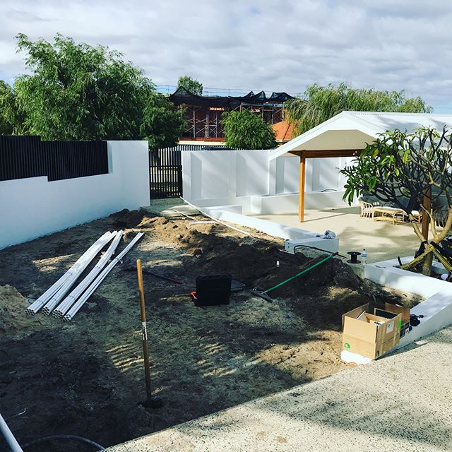 New install to this front of house. Swipe through too see the finished turf. We also install turf and softscapes. #greenacresturf #palmetto #frontofhouse #retic #perth #perthgardens #perthlandscaping