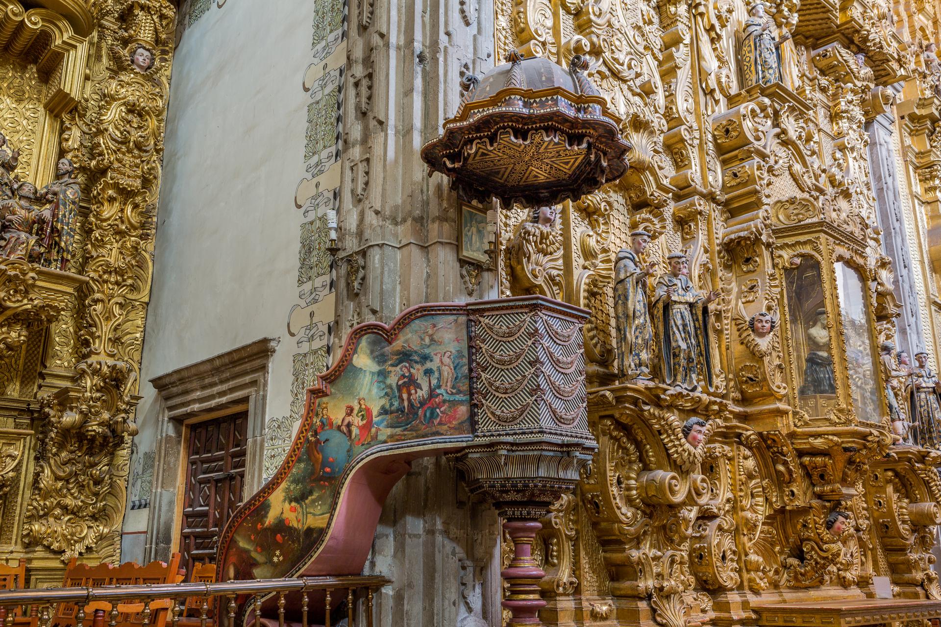 11:00 a.m. - Tour peatonal privado por centro histórico de Salamanca