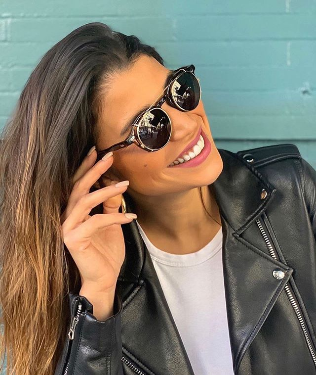 Spring has arrived! Time to get some vitamin D and get those sunnies on! . 📸 @moscotnyc . . . #moscot #nycdesign #newyorkdesign #nycfashion #eyewear #boutiqueeyewear #eyeweartrends #eyewearstyle #eyewearfashion #boutiquefashion #eyeglasses #fashion #shoplocal #burwood