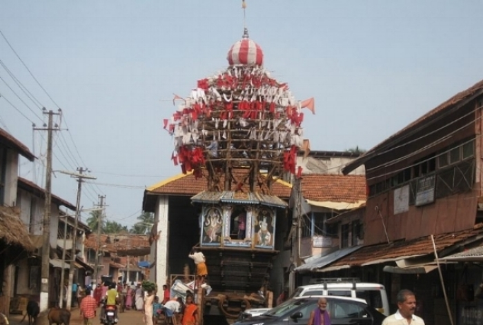 800px-Ratha_or_Chariot_at_Gokkarna.jpg
