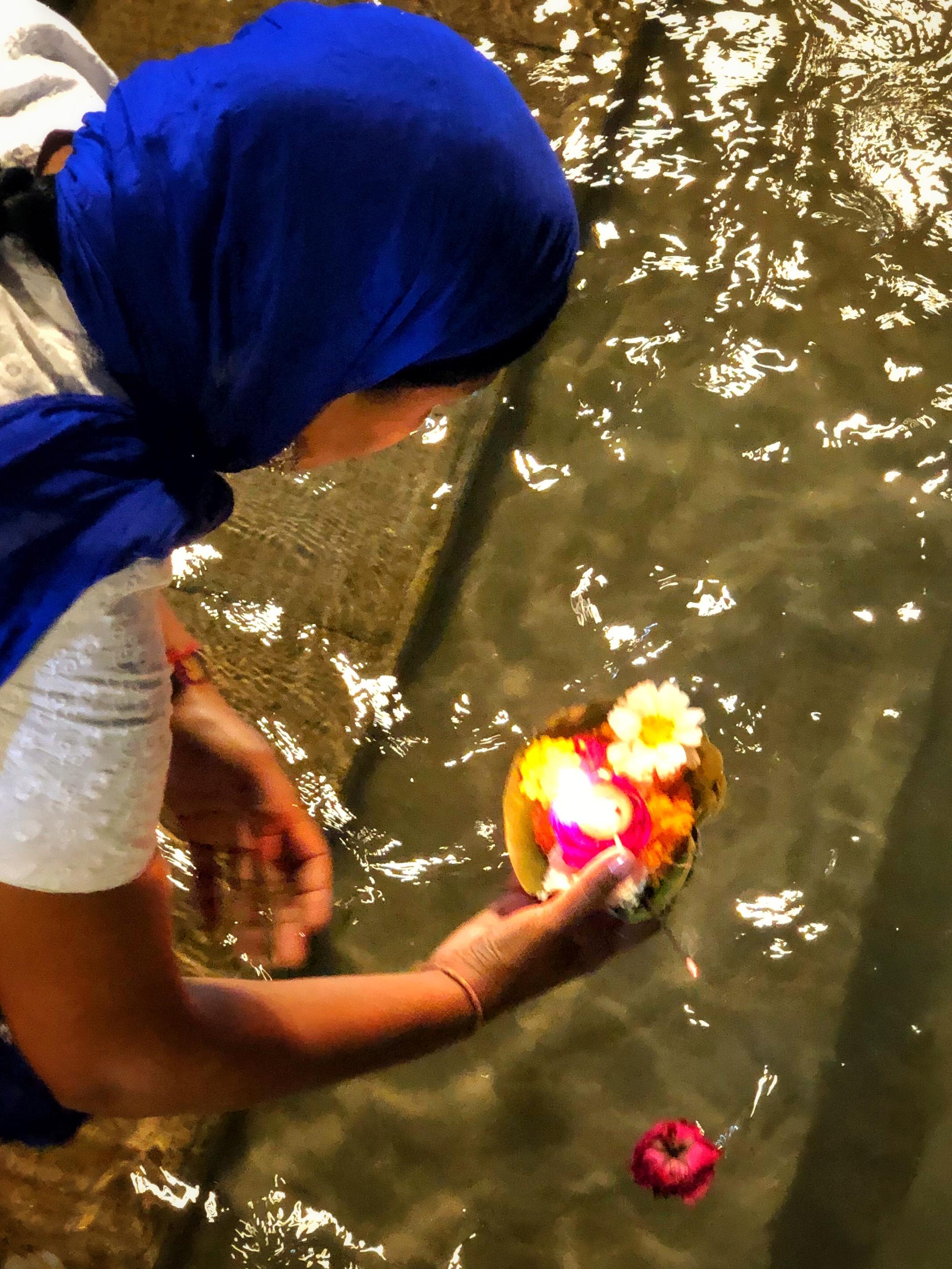Ganges prayer ritual