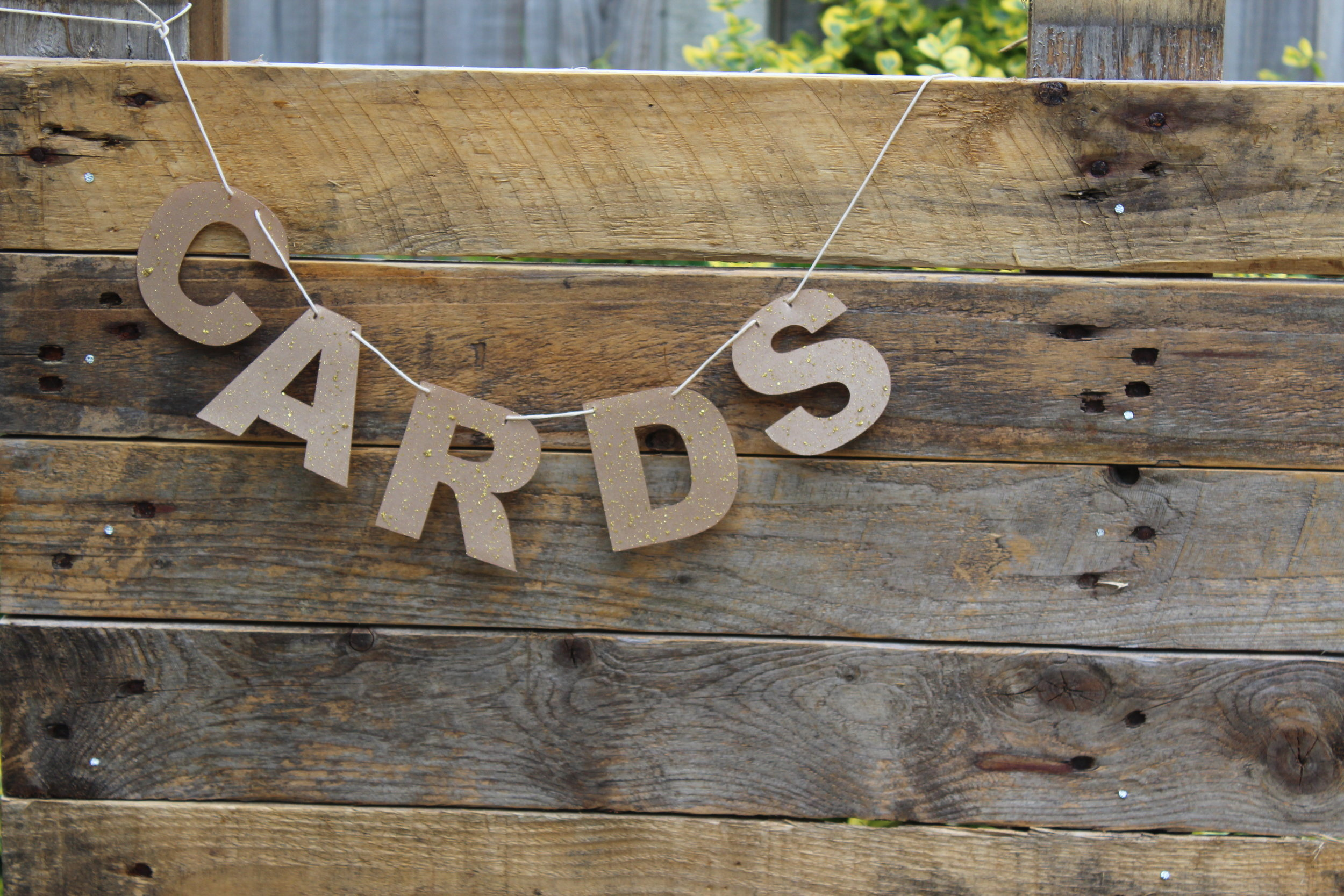 - Gold CARDS bunting£3