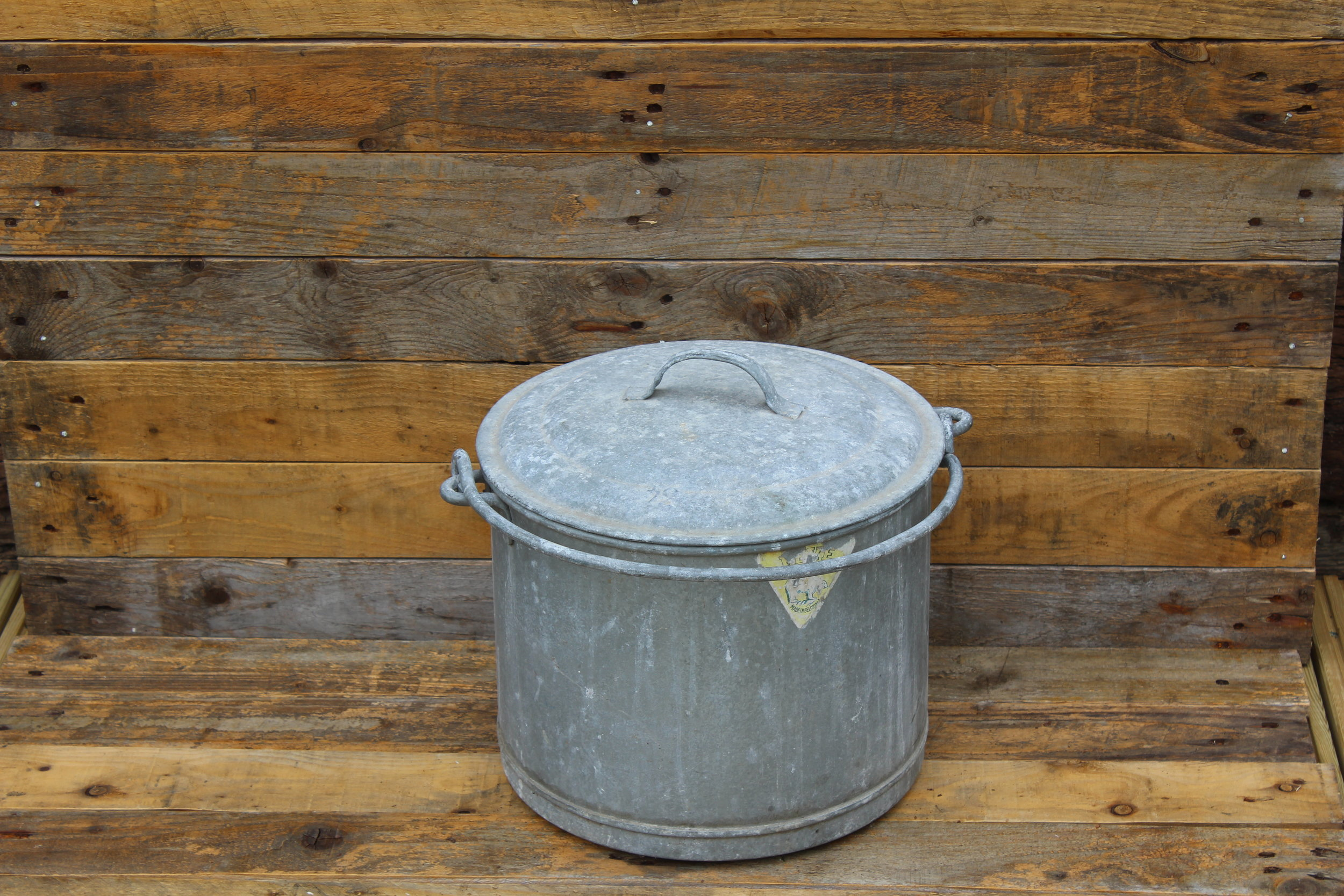 - Metal Bucket with lid£5
