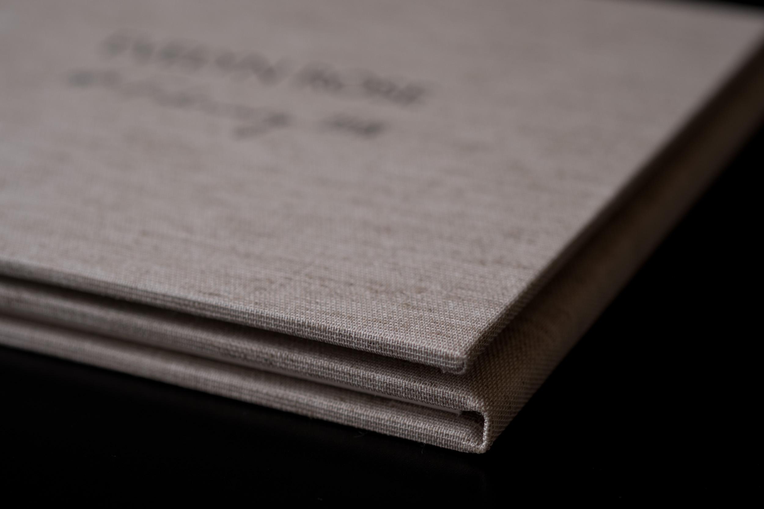 Newborn-Photography-Lincoln-Trio-Display-Folio-002.jpg