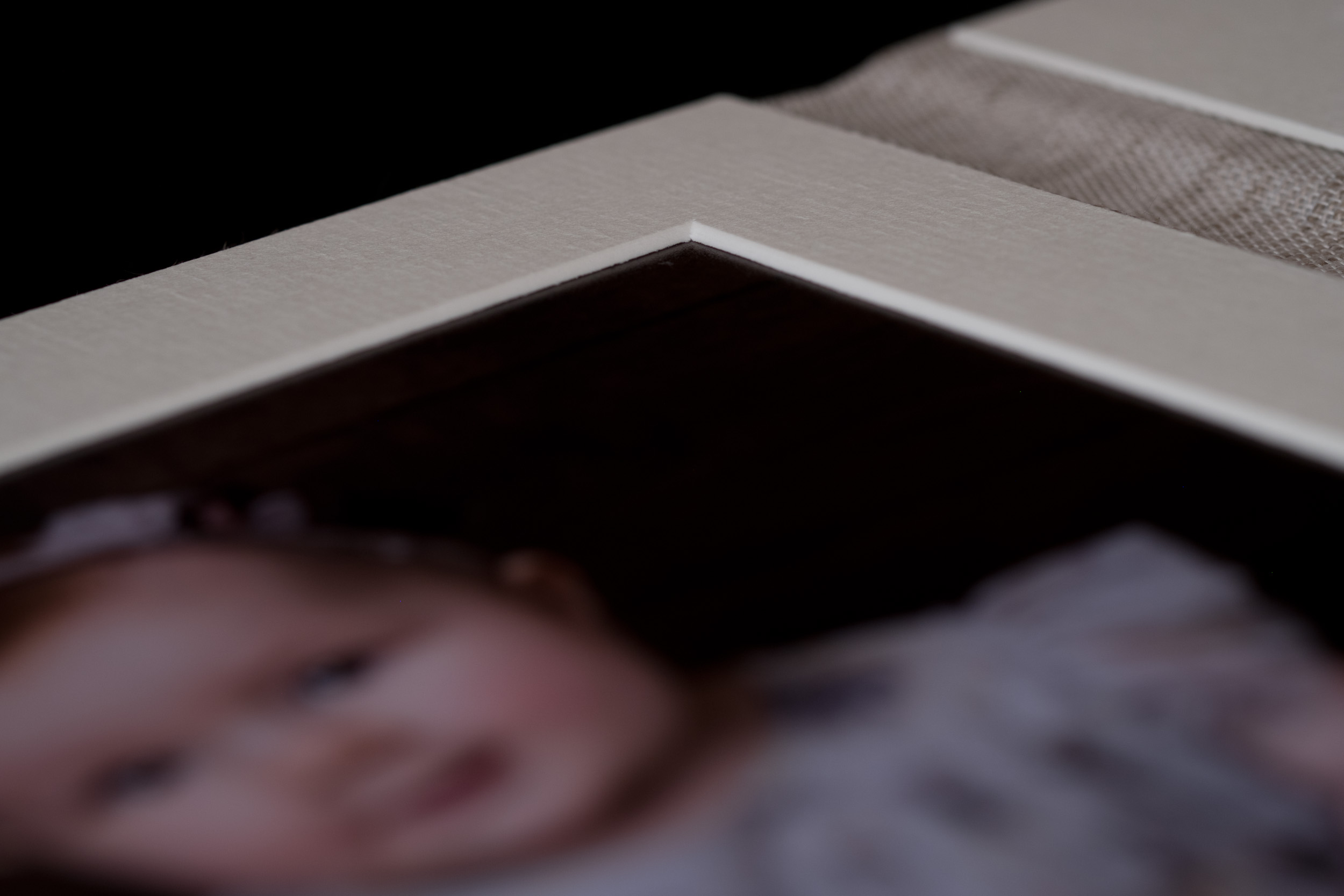 Newborn-Photography-Lincoln-Trio-Display-Folio-005.jpg