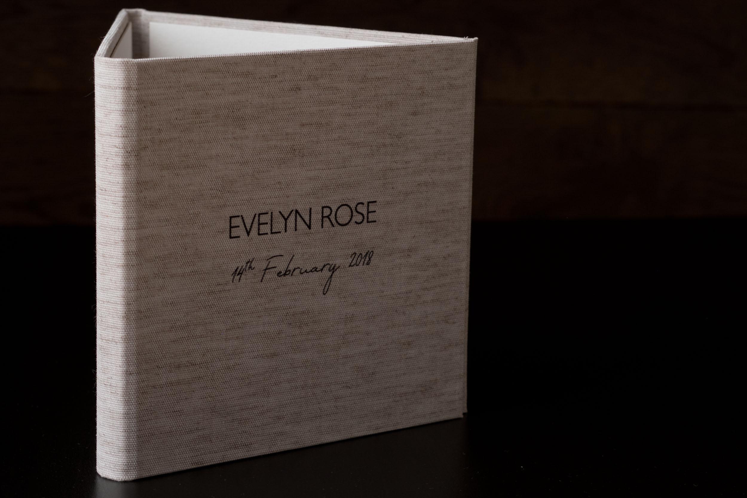 Newborn-Photography-Lincoln-Trio-Display-Folio-007.jpg
