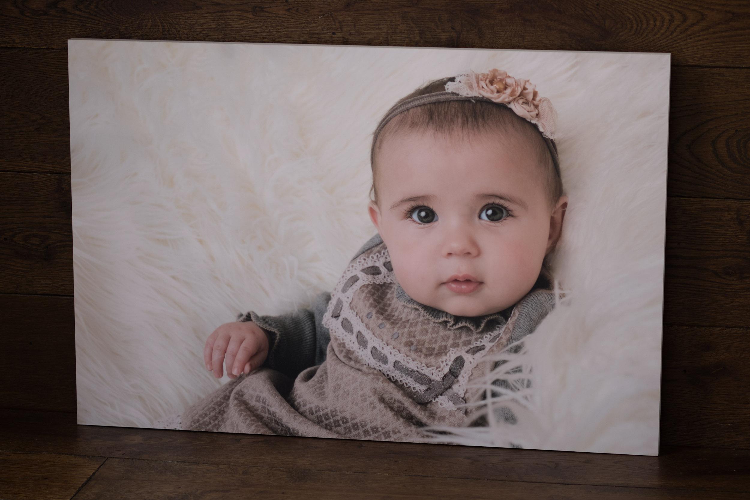 Newborn-Photography-Lincoln-Coloured-Edge-Block-002.jpg
