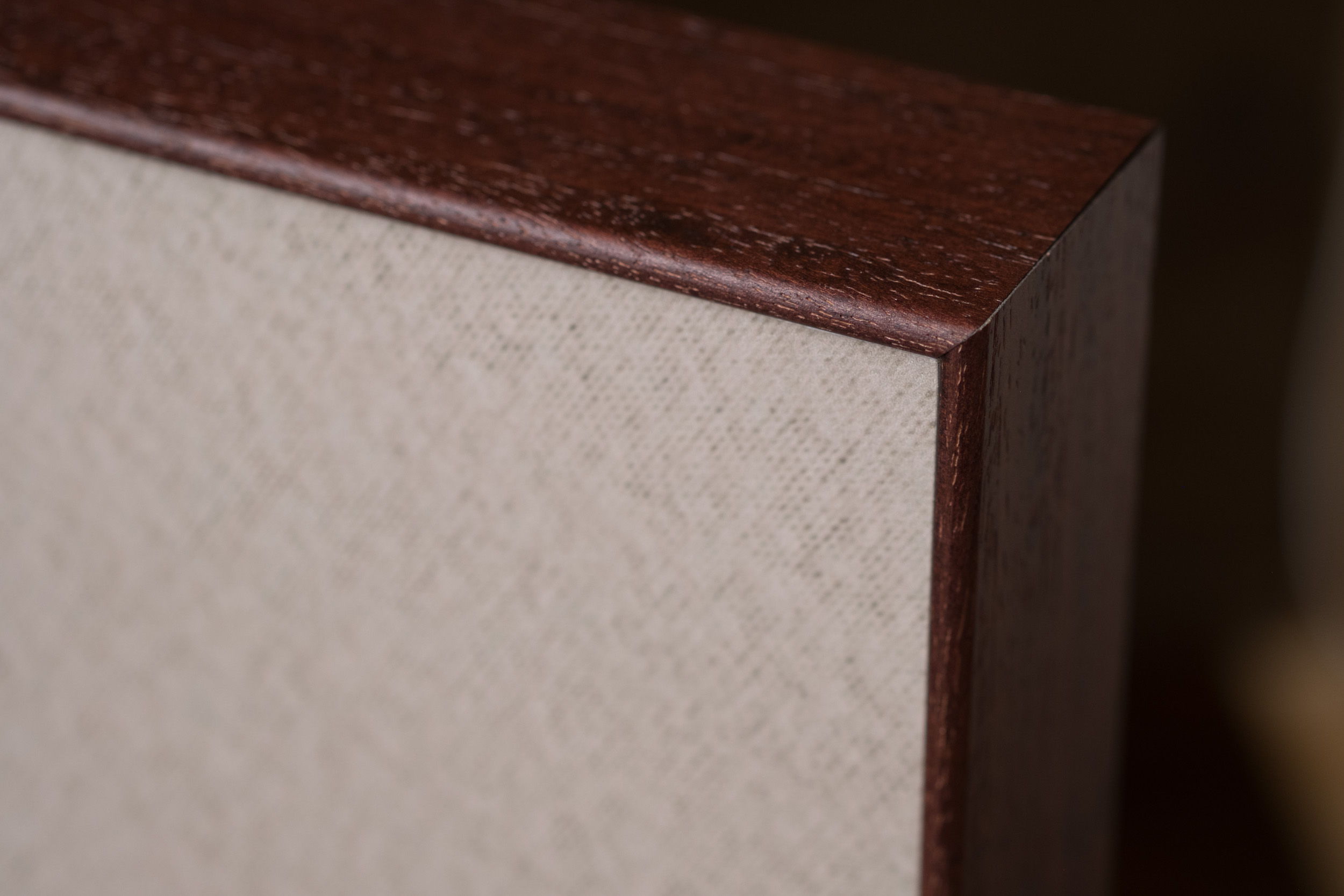 Newborn-Photography-Lincoln-Wood-Metal-Edge-Box-Frame-002.jpg