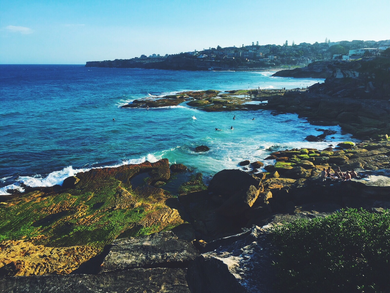 Bondi to Coogee coastal walk/ run = pure bliss.