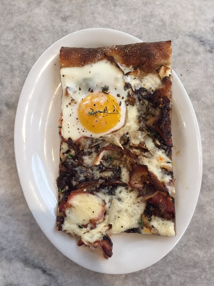 Bacon & egg pizza