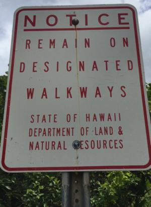 Sign at the beginning of the Iao off-grid hike.