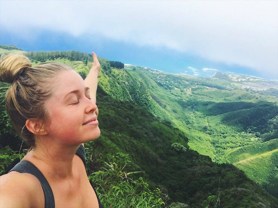 Freedom, hiking alone on top of the Waihe'e Ridge.
