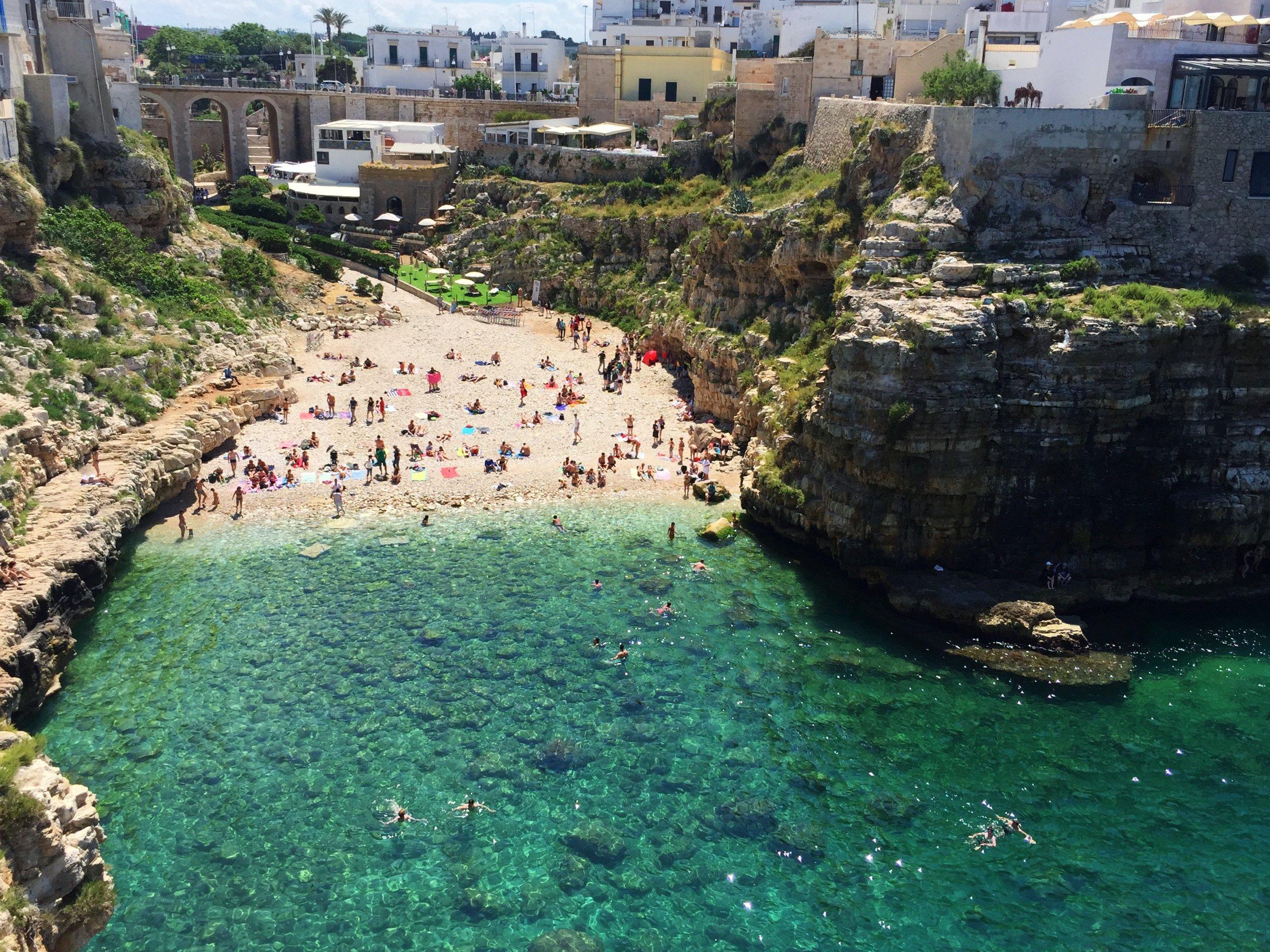 Lama Monachile beach, Polignano A Mare