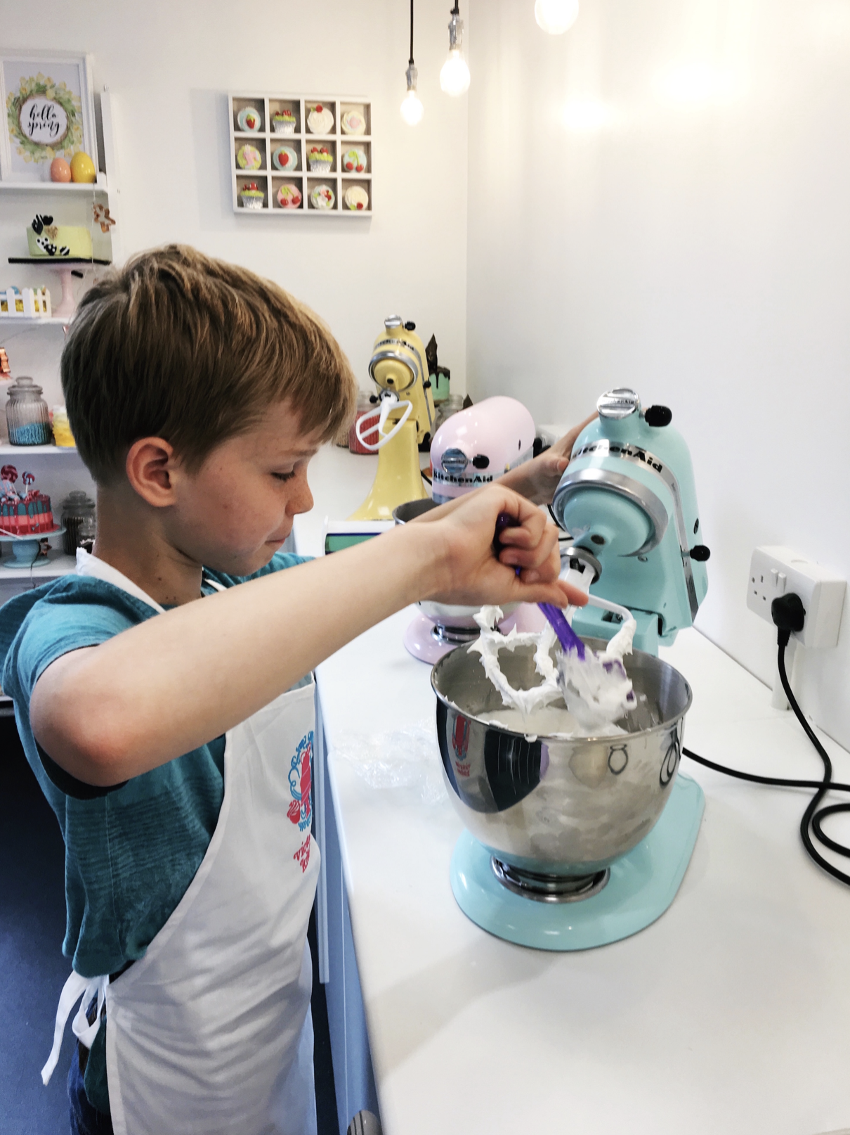 parent-child-cupcakes-buttercream