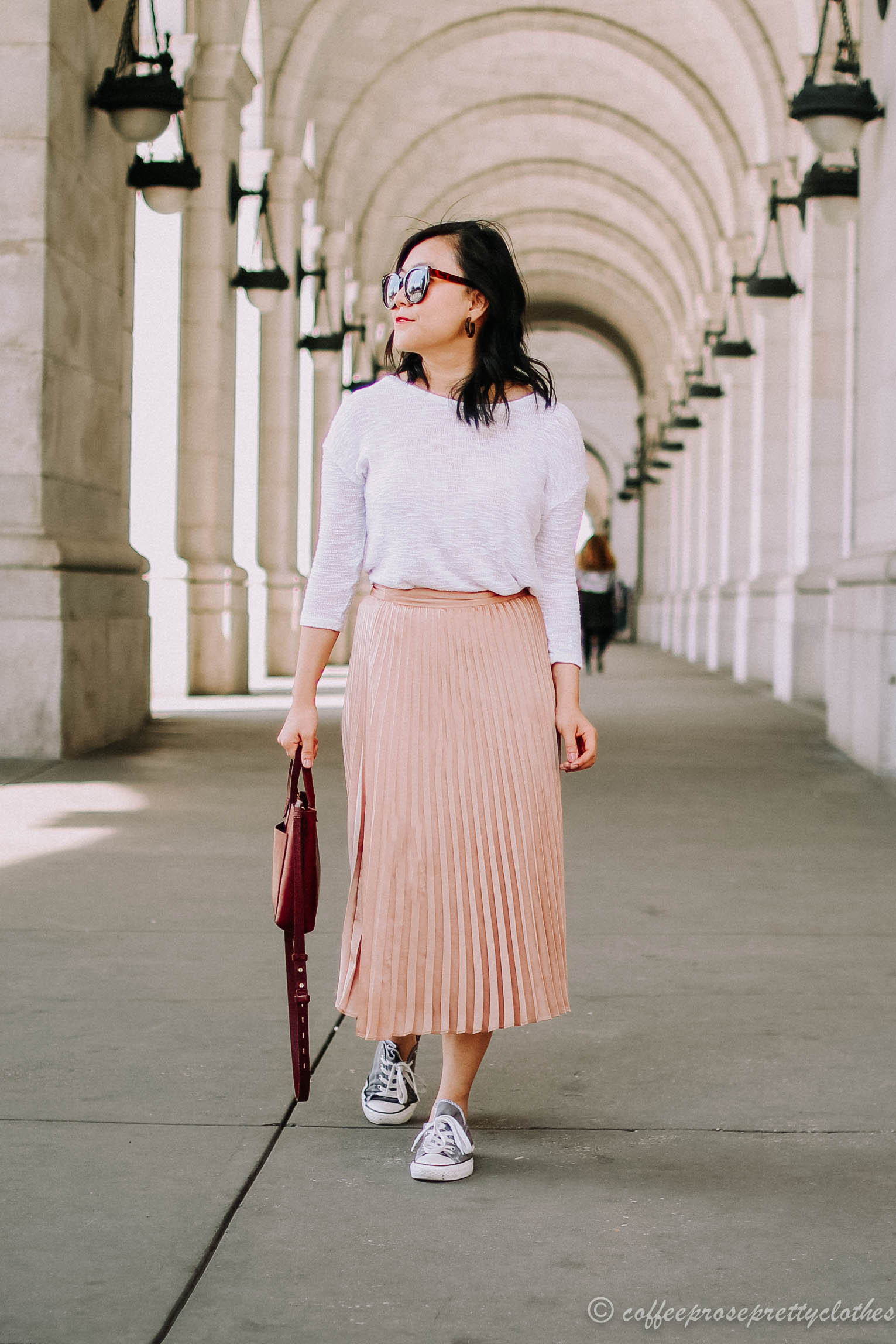Sézane Dino Skirt, Converse sneakers, Madewell Small Transport Tote