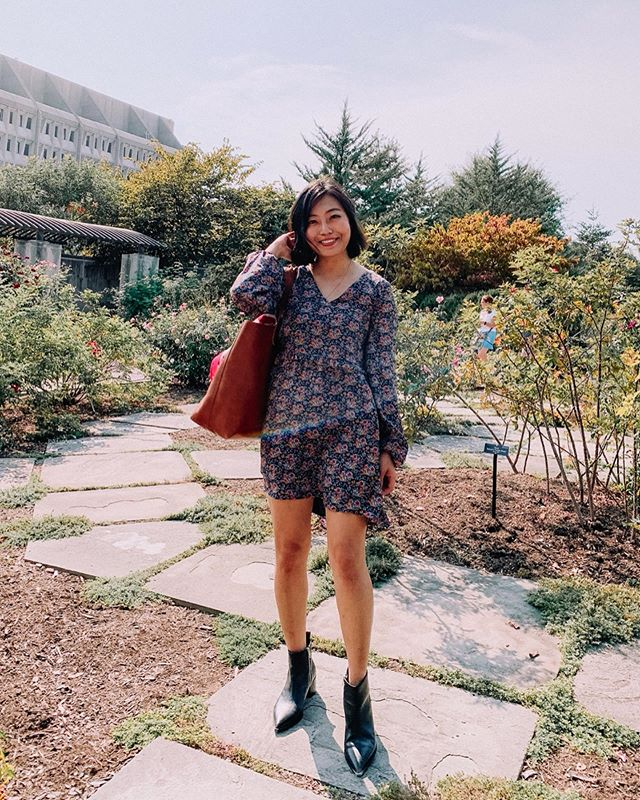 One dress, two shoes! Do you guys like it better with ankle boots or mules? (A wear now and later situation) . . . . . . . . . . #aboutalook #Blogged #dailylook #dcblogger #dcfashion #dcstyle #dailylook #fashionblogger #igers #Instagramers #instagood #igstyle #instadaily #ontheblog #ootd #outfitoftheday #styleblog #everlane #everlanewomen #sustainablefashion #ethicalfashion #wiw #wiwt #whatiwore #whatiworetoday
