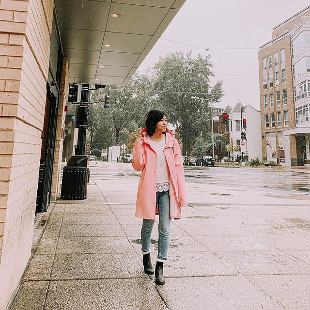 When it rains and you have an awesome raincoat 😉 . . . . . . . . . . . #aboutalook #Blogged #dailylook #dcblogger #dcfashion #dcstyle #fashionblogger #igers #Instagramers #instagood #igstyle #instadaily #ontheblog #ootd #outfit #outfitoftheday #styleblog #stutterheim #stutterheimraincoats #stutterheimstockholm #wiw #wiwt #whatiwore #whatiworetoday