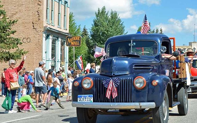 Celebrate with us as our once-booming mining town booms again! We'd love to host you in one of our Standard Suites this holiday—follow the link in our bio to book. ⠀⠀⠀⠀⠀⠀⠀⠀⠀⠀⠀⠀ 📸 courtesy of @visitleadville ⠀⠀⠀⠀⠀⠀⠀⠀⠀⠀⠀⠀ ⠀⠀⠀⠀⠀⠀⠀⠀⠀⠀⠀⠀ ⠀⠀⠀⠀⠀⠀⠀⠀⠀⠀⠀⠀ ⠀⠀⠀⠀⠀⠀⠀⠀⠀⠀⠀⠀ ⠀⠀⠀⠀⠀⠀⠀⠀⠀⠀⠀⠀ ⠀⠀⠀⠀⠀⠀⠀⠀⠀⠀⠀⠀ ⠀⠀⠀⠀⠀⠀⠀⠀⠀⠀⠀⠀ #fourthofjuly #4thofjuly #staytheabbey #mountaingetaway #holiday #accommodations #celebrate #leadville #colorado #adventure #visitleadville