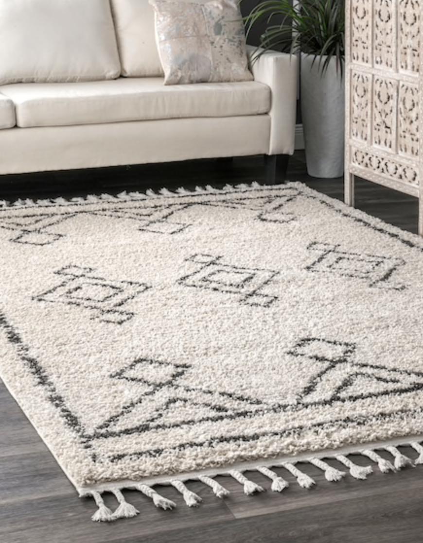 really feeling the tassel rugs lately