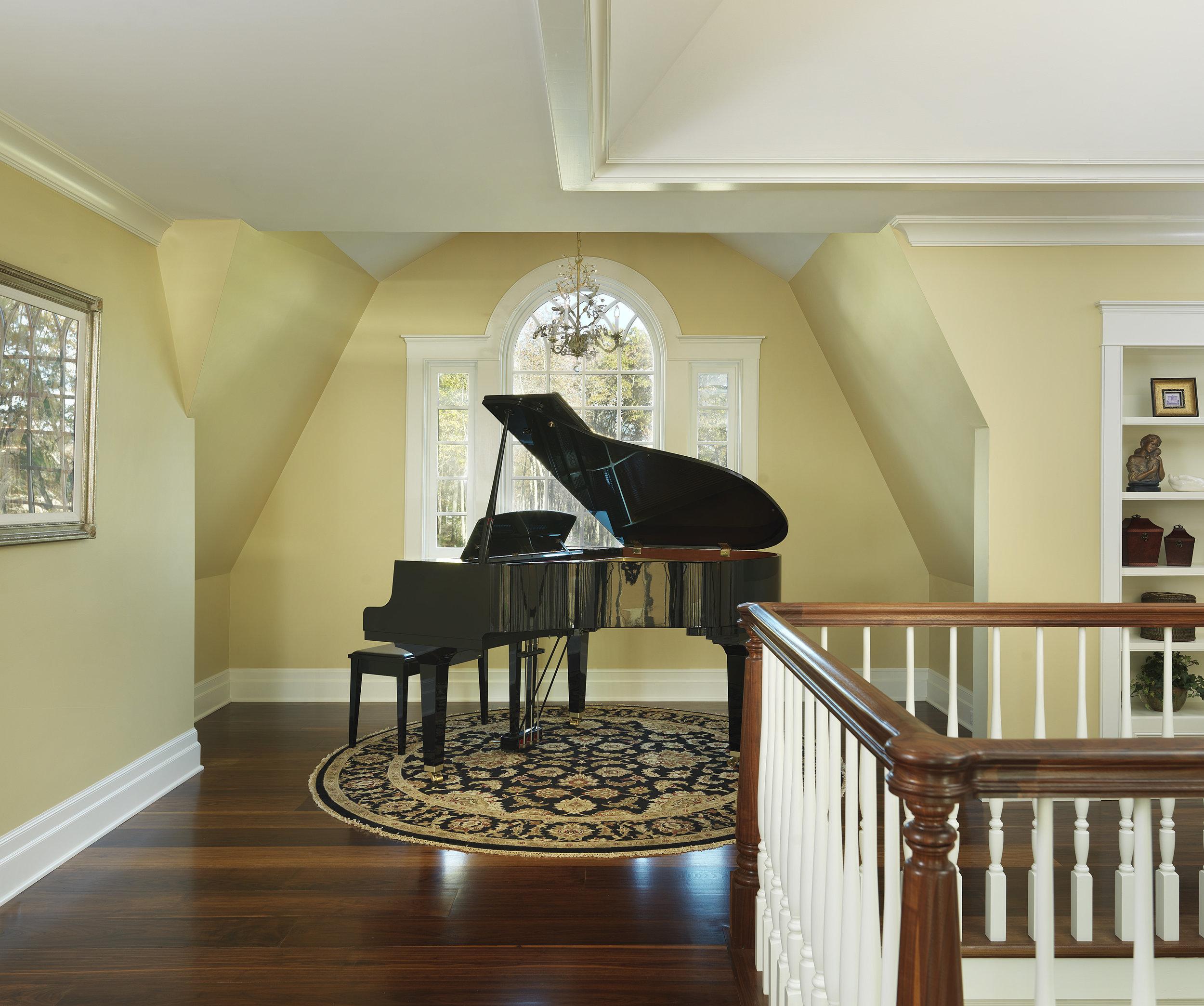 Falconieri Lucini Piano.jpg
