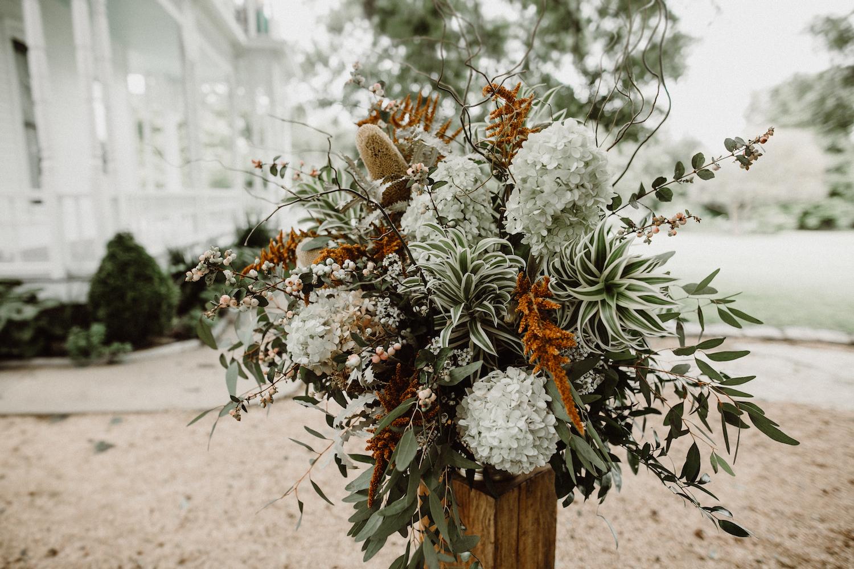 rosehip_flora_kindall_barr_mansion_lisa_woods_photography_6.jpg