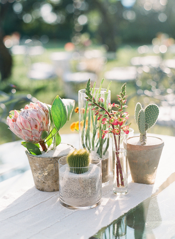 rosehip_flora_meg_wedding_sophie_epton_photography_27.jpg