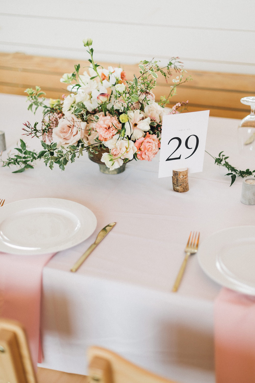 rosehip_flora_bethany_wedding_featherandtwinephotography_prospect_house_12.jpg