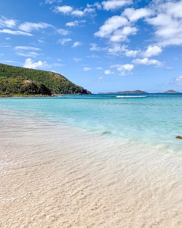 Thursday vibes ♥️ 🏝 . . . .  #caribbean #beach #beaches #island #islands #travel #savannahbay #speedys #leverickbay #virgingordavillarentals #cocomaya #islandbirds #thebaths #traveling #fatvirgin #beachlife #islandlife #virgingordabvi #britishvirginislands #exploreeverything #virgingorda #virgingordavillage #villagecafe #ilovevirgingorda #traveltheworld #bvi #worldtraveler #bvilittlesecrets