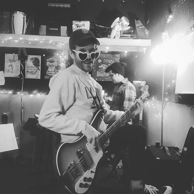 hearts, bass, lights and Drew ❤️🎸💡🦝