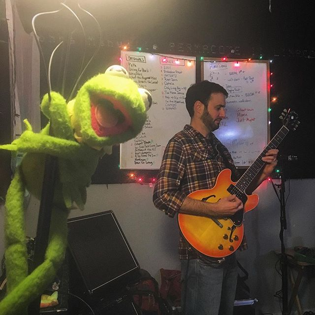 @kermitthefrog loves us, and we love @kermitthefrog