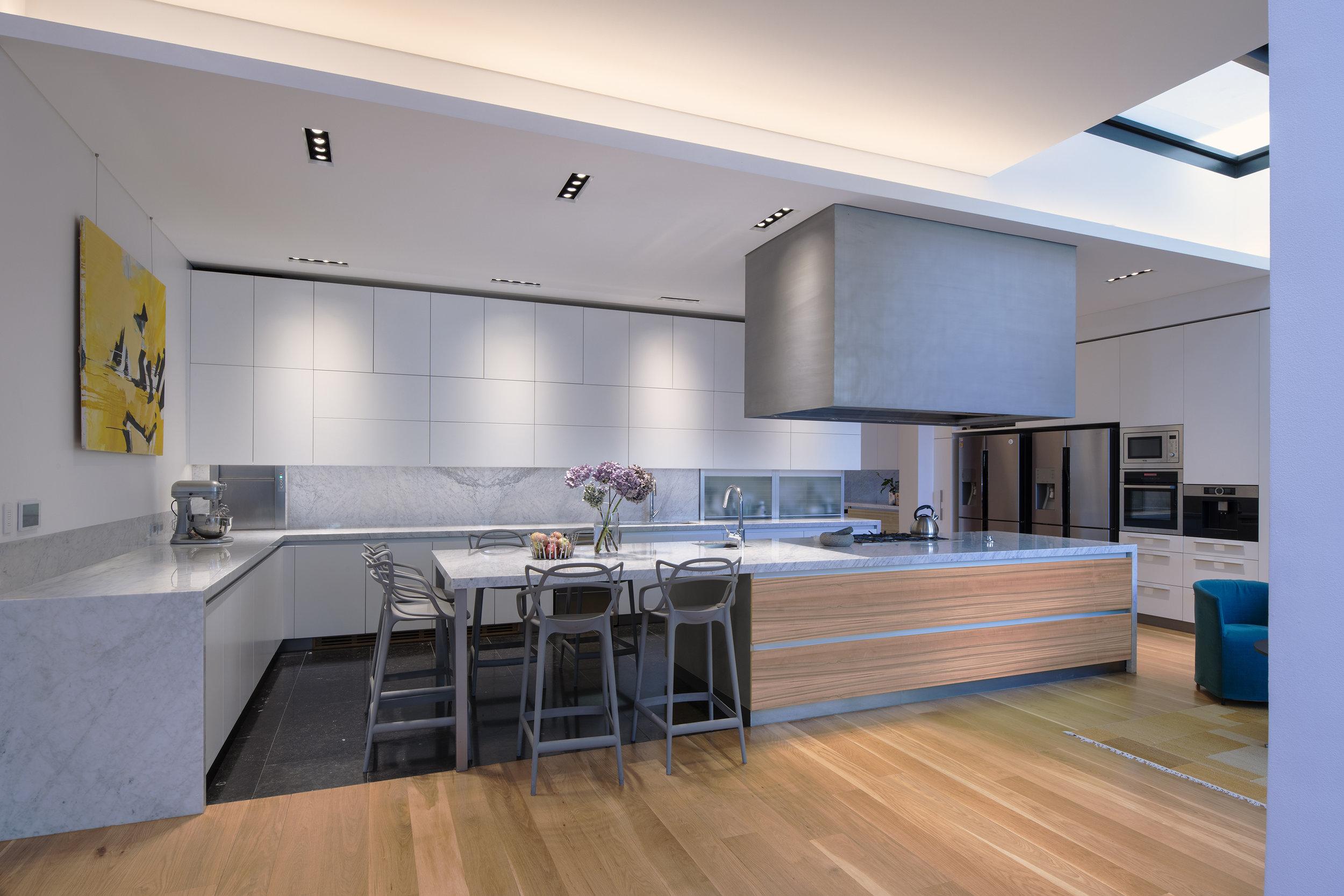kitchen c_resize [rough].jpg