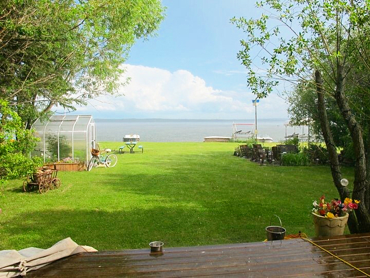 This incredible Wabamun lake home is now SOLD! Swipe to check out the gorgeous view!⠀ -  If you're disappointed you missed this gem, don't worry - our real estate specialists can help you find a great home on a beautiful lake just like this. Give us a call! 780-651-1577 ⠀- - Property sold by Albert Kozel of Core Real Estate Group