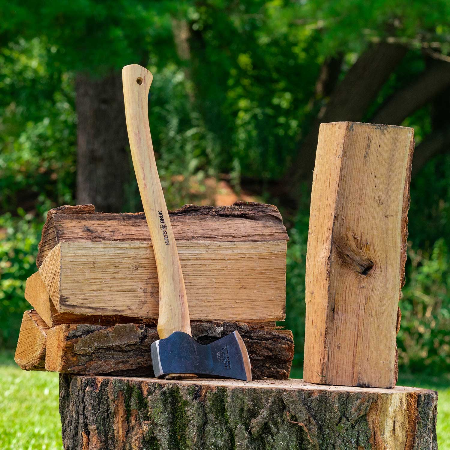 Oak Firewood - $54 $99 $159 Our oak firewood is very solid, heavy, and has a slow-burning process that emits steady warmth. Oak has an exceptionally intense, long burn-time and produces a nice aroma when burnt which is one reason restaurants use oak for cooking.
