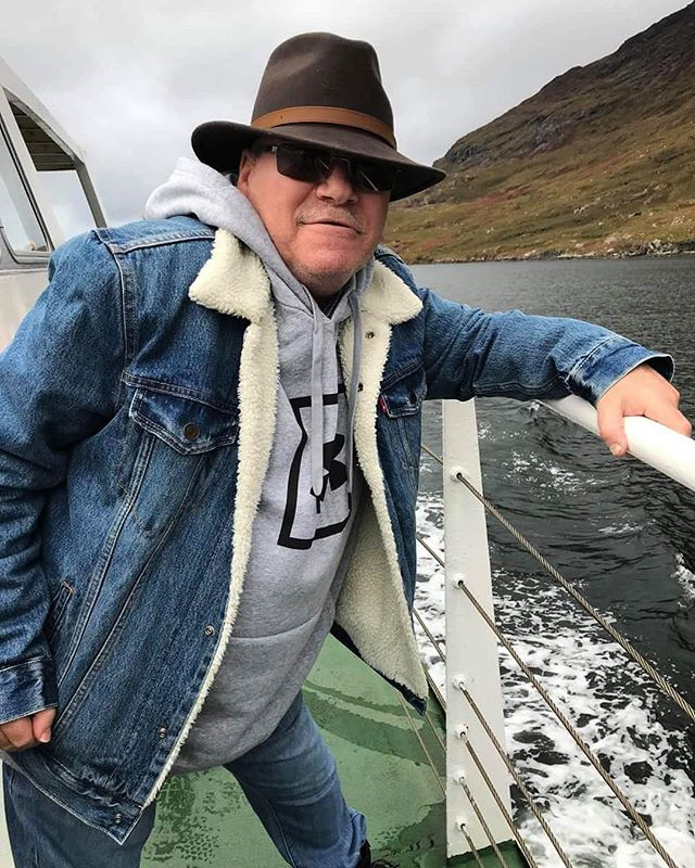 Tim on the Killary Fjord boat tour with celebrity chef, @nevenmaguire 👨‍🍳🇮🇪