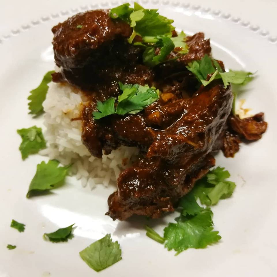 chocolate-balsamic-chicken mole