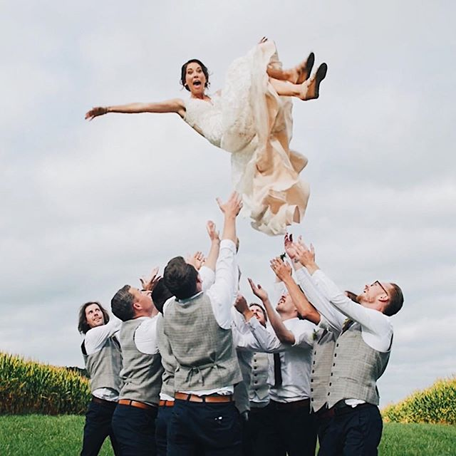 We just updated our video portfolio with FOUR new films for you to enjoy! Including these moments from Lora + Nick's wedding last fall. 💕  Visit mapleandoakweddings.com/videography to view. 📹✨
