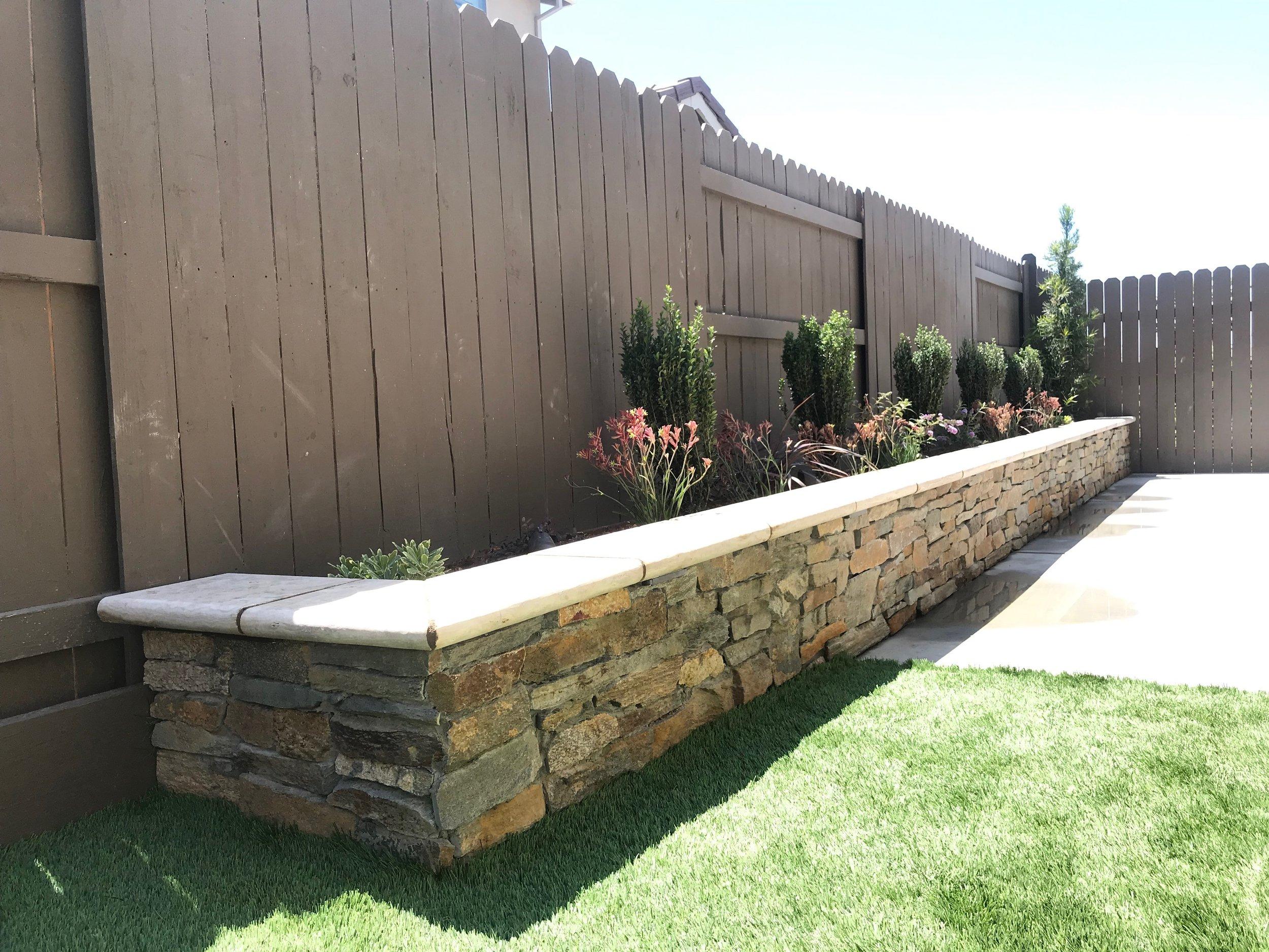 Masonry-retaining-wall