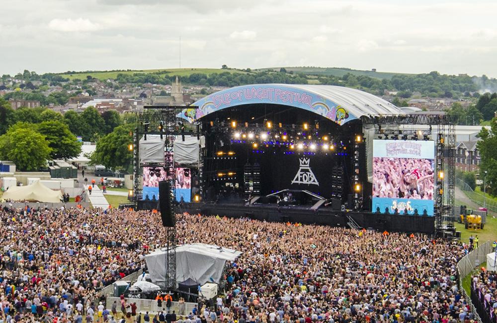 Liz_Murray_Photography_-_Isle_of_Wight_Festival_2014_-_Big_Wheel_View_09_main_stage.jpg