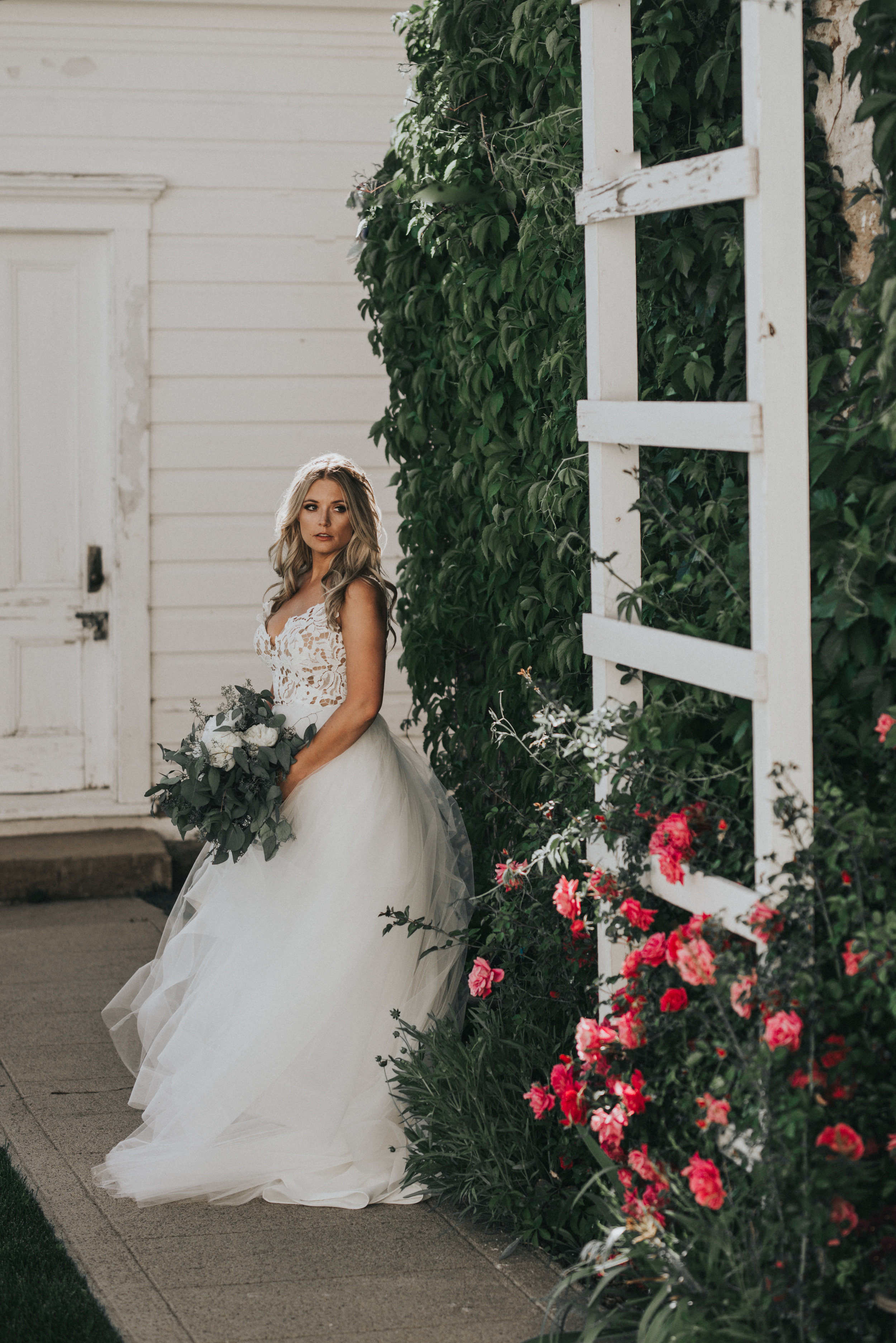 BRIDES,GROOMS -